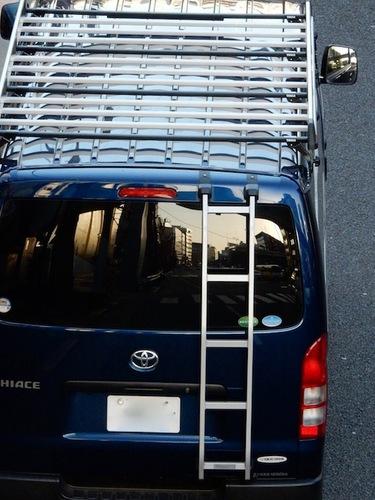 トヨタ ハイエース.jpg